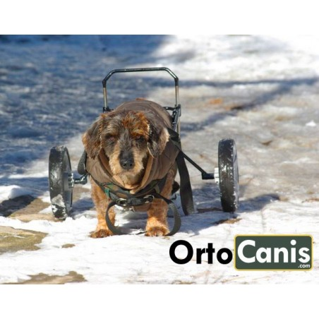 Custom-made dog wheelchair